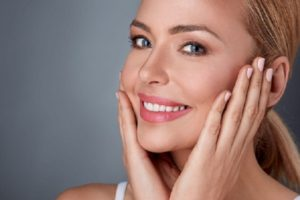 regularize-blood-circulation-with-facial-massage